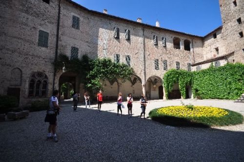 castello cortile